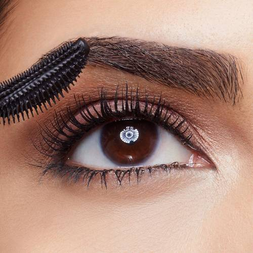 maybelline-lash-sensational-macro-mascara-application-1x1
