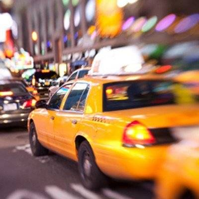 maybelline-make-it-happen-hub-new-york-taxi-1x1