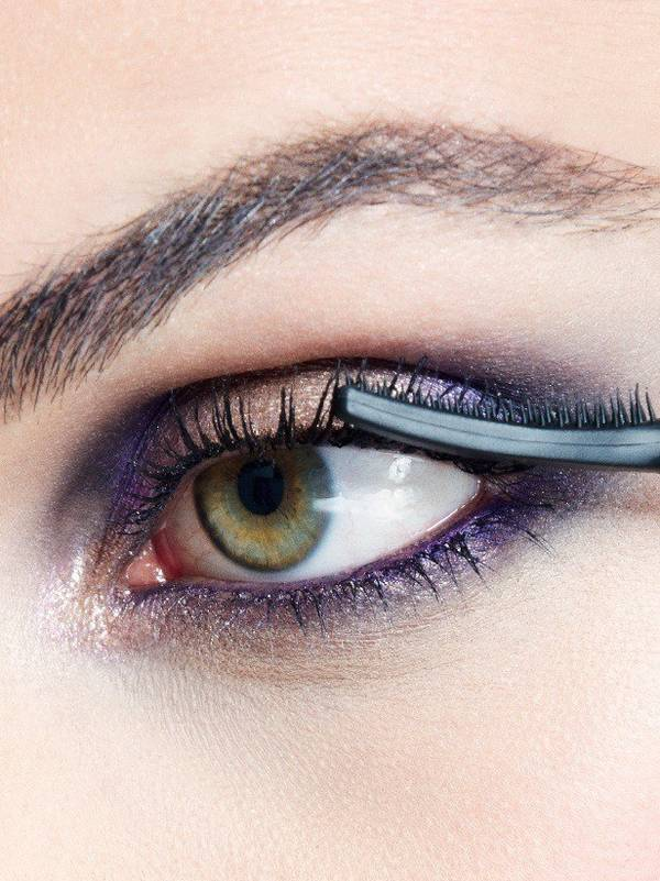maybelline-falsies-push-up-angel-mascara-girls-night-look-step-4-3x4