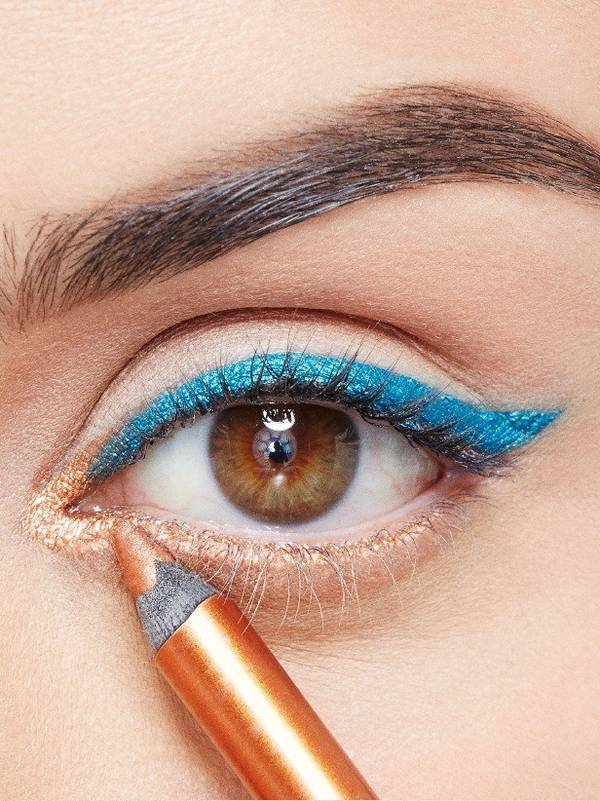 maybellline-falsies-angel-mascara-weekend-look-step-2-3x4