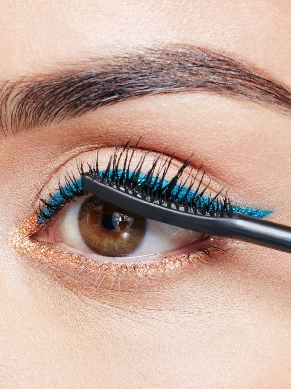 maybellline-falsies-angel-mascara-weekend-look-step-3-3x4