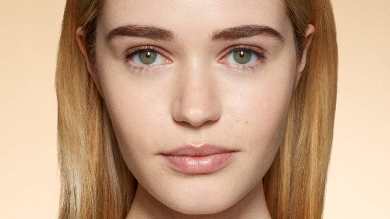 Shape Eyebrows Contour More Makeup Tips Maybelline