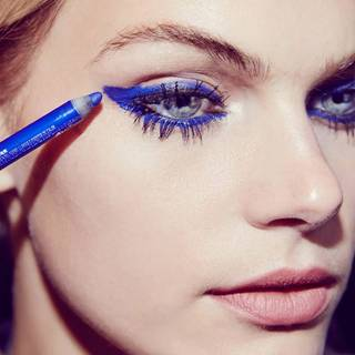chaotic-mascara-gtl-graphic-blue-step2-1x1