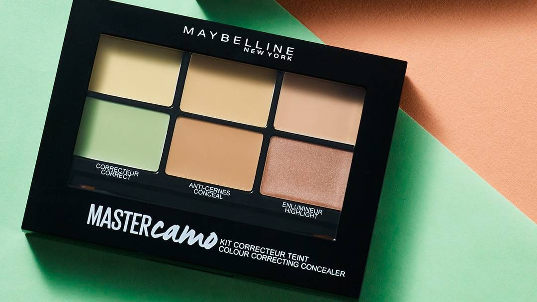 maybelline-master-camo-color-correcting-model-light-flaunt-full-width