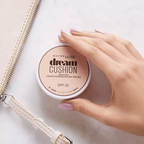 maybelline-dream-cushion-liquid-foundation-travel-makeup-1x1